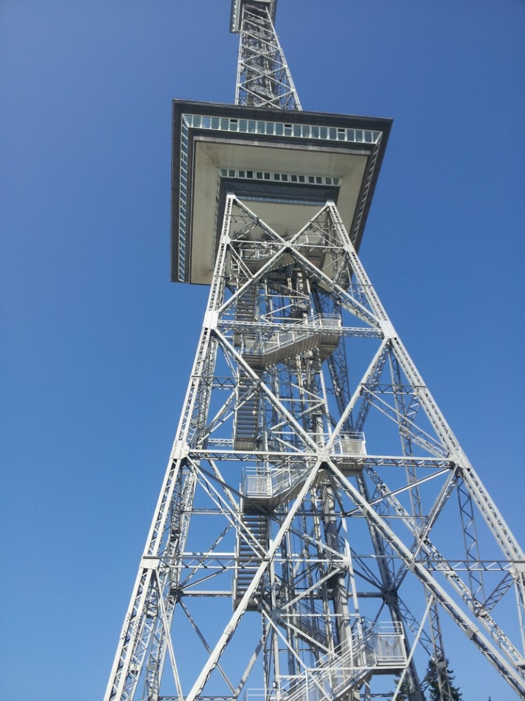 Der Berliner Funkturm auf dem Messegelände